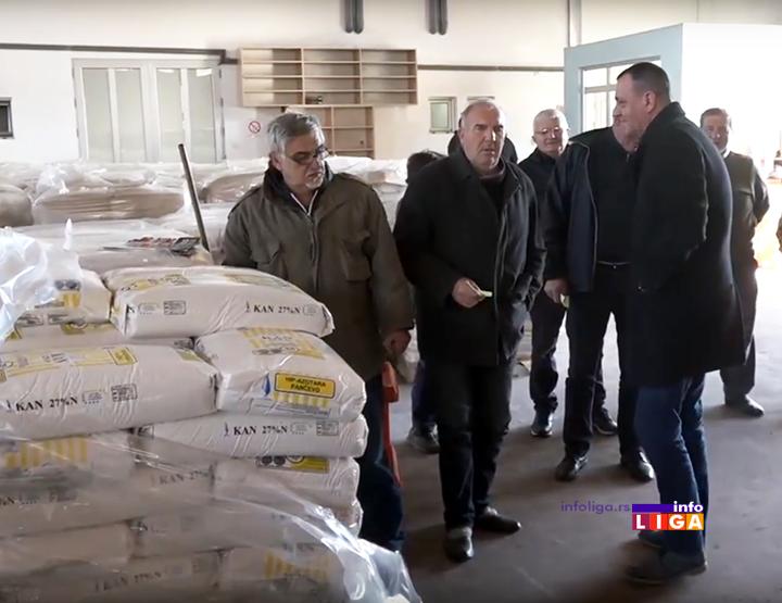 IL-podela-djubriva-merkur Počela podela đubriva voćarima (VIDEO)