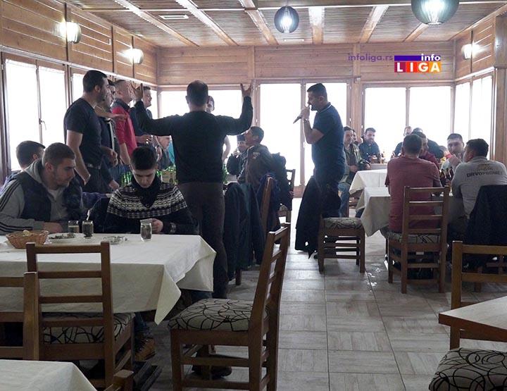 IL-badnjaci-seca-crnjevo-2019-3 Ivanjičani tradicionalno, iz badnjaka u kafanu (VIDEO)