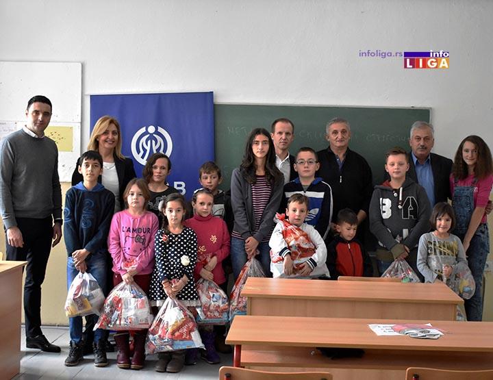 IL-dunav-bratljevo-paketici-1 Kompanija Dunav osiguranje obradovala mališane škole u Bratljevu (VIDEO)