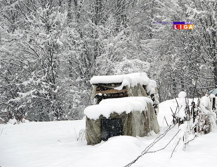 IL-paliboracki-detalj Mladić bez znakova života pronađen nadomak kuće u snegu