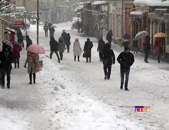 IL-prohodnost-ulica-ivanjica Neprestane padavine otežavaju prohodnost ulica u Ivanjici (VIDEO)