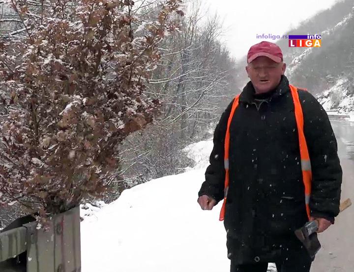 IL-putar-bosko-badnjaci Božićni običaj putara Boška jedinstven je u Srbiji (VIDEO)