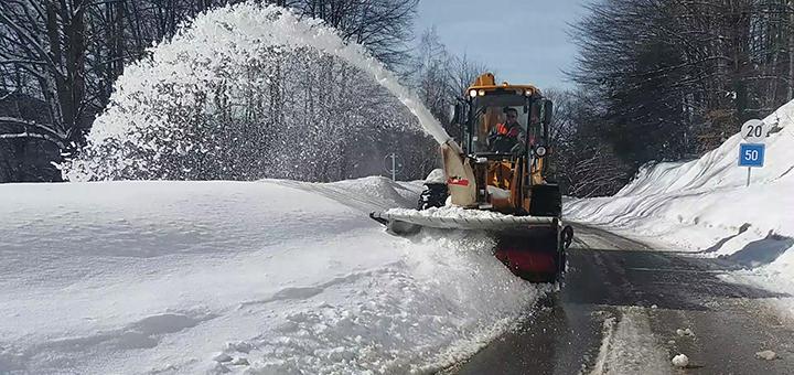 IL-putevi-sneg-golija Snega, u višim predelima Ivanjice, preko glave (VIDEO)
