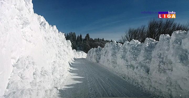 IL-putevi-sneg-golija2 Snega, u višim predelima Ivanjice, preko glave (VIDEO)