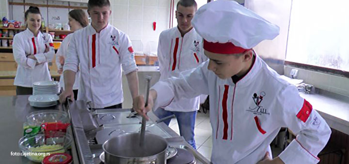 IL-cajetina-Srednjoskolcikuvari Ugostiteljsko turistička škola u Čajetini spremna za 120 novih učenika