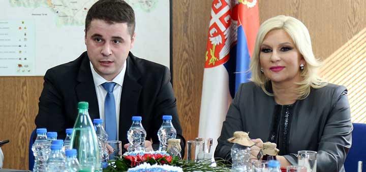 IL-dolovic-i-mihajloviceva Mihajlovićeva ispunila obećanje,  počelo asfaltiranje opštinskog puta od Guče do Goračića