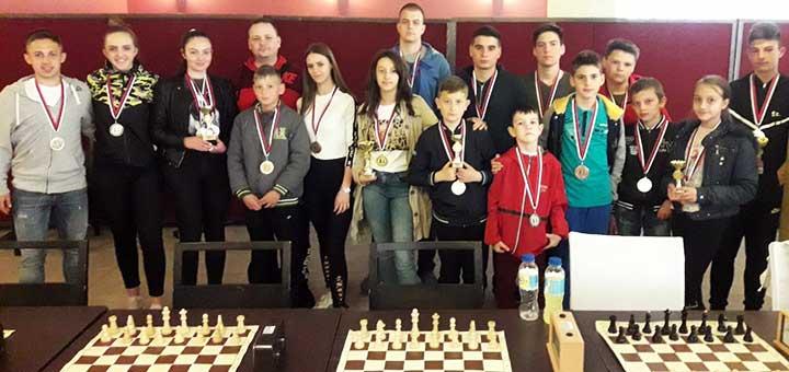 IL-sah-vaskrsnji-turnir Odigrani Vaskršnji turniri u šahu