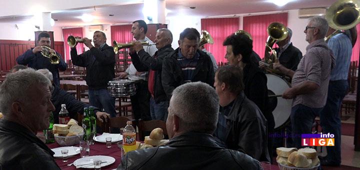 IL-spik-iverica-rucak1 Neverovatno, radnici ivanjičke fabrike slavili otkaze uz trubače (VIDEO)