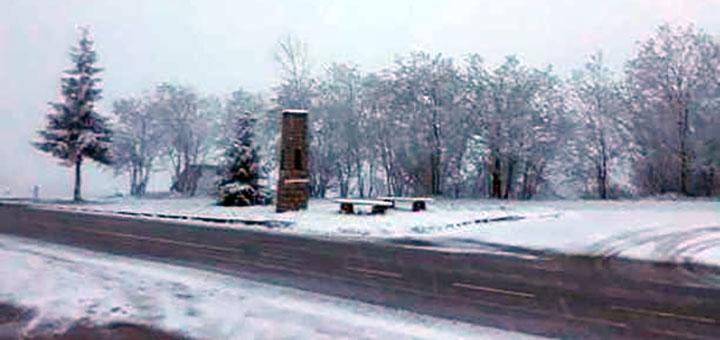 IL-sneg-u-maju-javor Sneg veje u višim predelima Ivanjice (VIDEO)