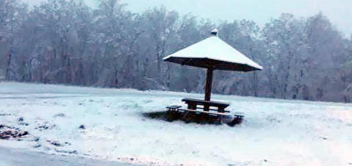 IL-sneg-u-maju-javor2 Sneg veje u višim predelima Ivanjice (VIDEO)