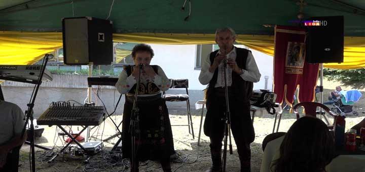 Jovana-listu-bukve-proizvodi-čudesne-zvuke-12 Jovanka na listu bukve proizvodi čudesne zvuke (VIDEO)