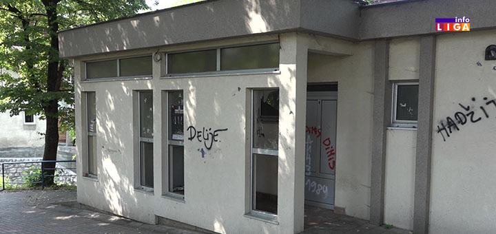 slika-naslovna- Javni toalet u Ivanjici ruglo grada (VIDEO)