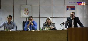 IL-skupstina-zoran-lazovic-2-300x142 Zasedanje ivanjičkog lokalnog parlamenta u znaku  investicija