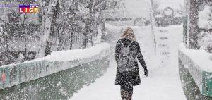 Ivanjica-sneg-3-300x142 Sneg zavejao Ivanjicu - Na Goliji i do metra