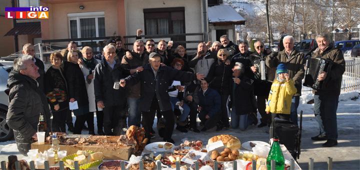 IL-Bozic-sokace U sokačetu prijateljstva u Ivanjici na specifičan način obeležen Božić (VIDEO)