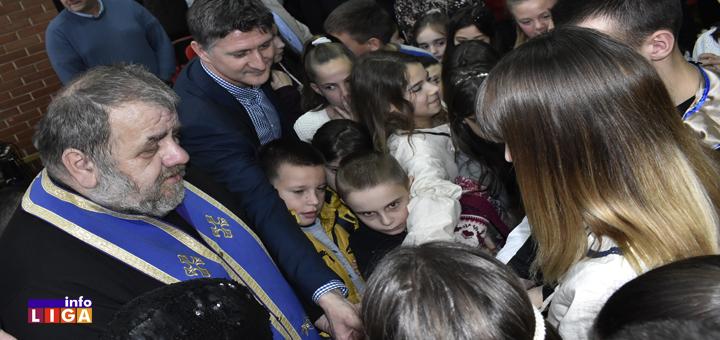 IL-Savindan-OS-MK-glavna- Sveti Sava u znaku humanosti : Devojčica donirala kosu za obolele, deca sa Golije dobila Nivu (VIDEO)
