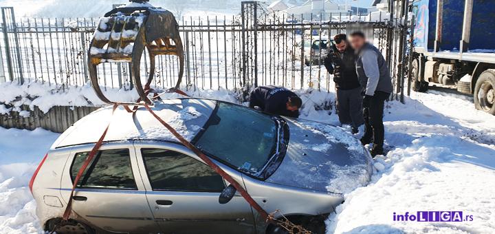 IL-led-oprez-na-putu-1-1-1 Oprez - Zbog leda na putevima u Ivanjici vozači u kanalu