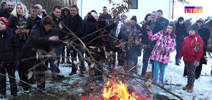 IL-prilike-crkva-paljenje-badnjaka Badnje veče u Ivanjici i Prilikama (VIDEO)