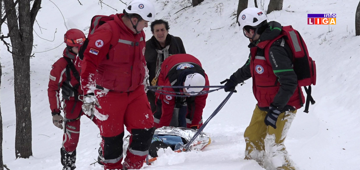 IL-Akcija-spasavanja- Ivanjičani izvukli bolesnika iz snežnih smetova (VIDEO)