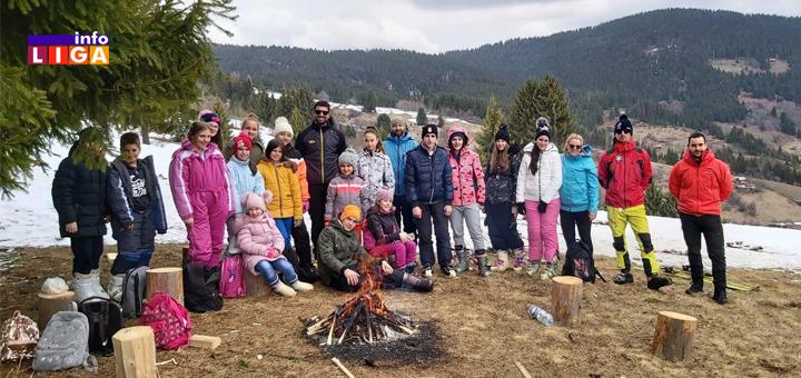 """IL-Skola-skijanja-1-naslovna- Ivanjički """"Stari Vlah"""" organizovao besplatnu školu skijanja za decu (FOTO)"""