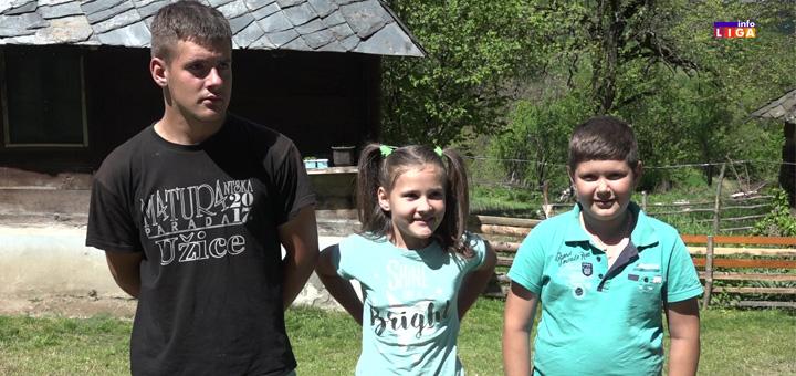 il-deca Suze radosnice na temeljima novog doma - Dobri Samarjani grade kuću porodici Kalušević iz IVANJICE (VIDEO)