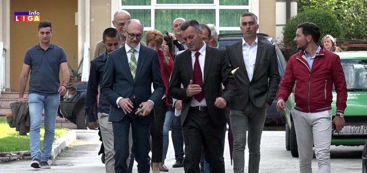 IL-Ministar-Trivan-u-poset-SPS-u Ministar zaštite životne sredine Goran Trivan u poseti Ivanjici (VIDEO)