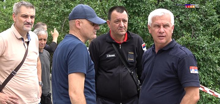 IL-Puzovic-Srbijavode- Puzović obišao Ivanjicu  -  Nedimović i Crveni krst Srbije donirali vodu (VIDEO)
