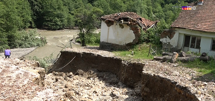 IL-Skola-Vucak-poplave-erozija Kataklizmične slike sela u Ivanjici - ljudi odsečeni od civilizacije (VIDEO/FOTO)