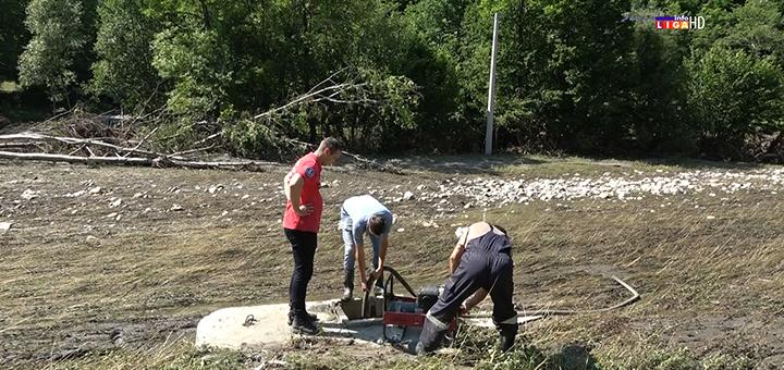 IL-Vlade-Bojanovic-i-ekipa-jkp-na-terenu- InfoLiga na licu mesta : U kakvom je stanju trasa cevovoda i kada možemo očekivati vodu... (VIDEO)