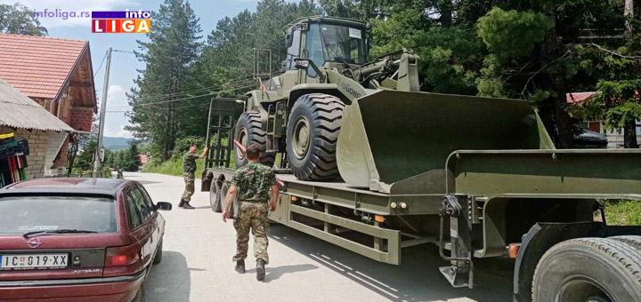 IL-Vojska-Vucak Vojska stigla u Vučak, saniraju prilazni put za selo (VIDEO)