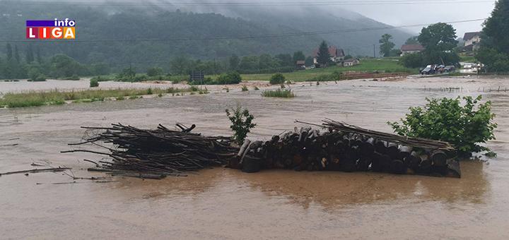 IL-poplava-Lucani-2 Obilne padavine prave probleme: Poplavljeno nekoliko domaćinstava u Lučanima (FOTO)