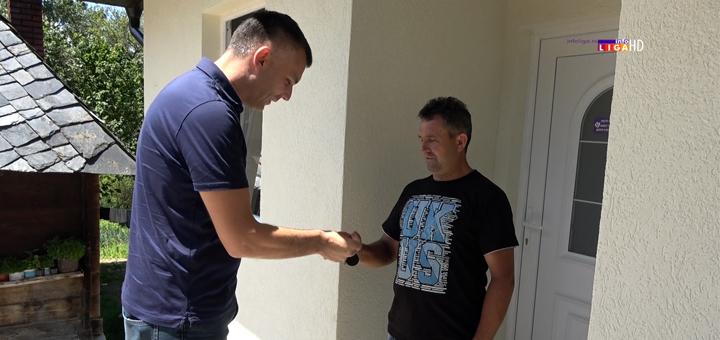 Ivanjica – Ključevi  nove kuće u rukama Kaluševića, prag zalile suze radosnice (VIDEO)