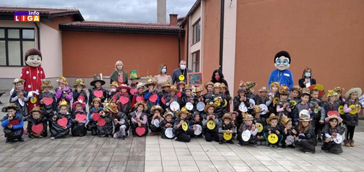 IL-Crnjevo-pripremno-predskolski-program- Predškolci u simbolima jeseni dočekali predsednika opštine (VIDEO)