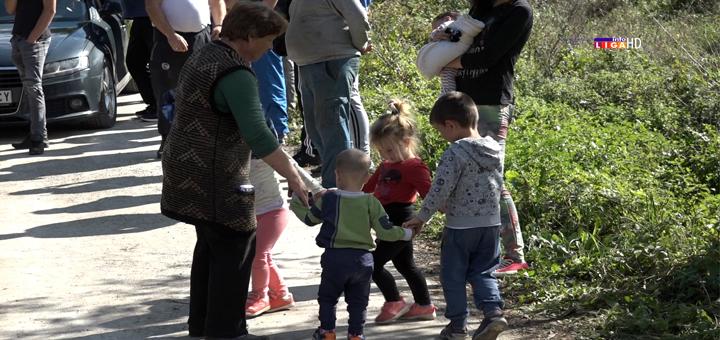 IL-Izgradnja-igralista-za-decu- Niče igralište za mališane ivanjičkog naselja Grabovica (VIDEO)