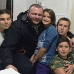 """IL-Jovanovici-dva-150x150 """"Eh da je mama živa da vidi koliko smo srećni"""" - Porodici Jovanović iz Ivanjice uručeni ključevi nove kuće (VIDEO)"""