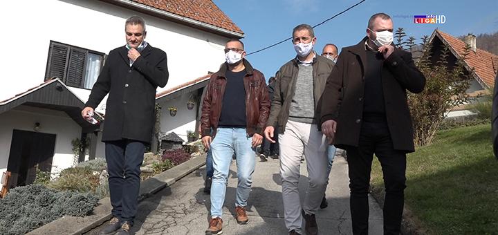 """Il-Ministar-poljoprivrede- Proizvođači ivanjičkog krompira razočarani : """"Pre ću da ga bacim, nego da ga dajem džabe"""" (VIDEO)"""