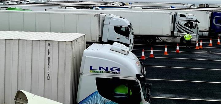 IL-Aerodrom-Engleska Ivanjičani ''zarobljeni'' u Engleskoj