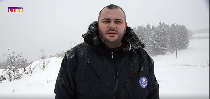 """Il-Momcilo-Mitrovic-sneg- Ivanjica - Prvi sneg ugasio svetlo u većem delu opštine """"Palimo sveće kao u kamenom dobu, neizdrživo je"""""""