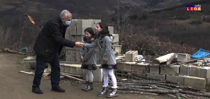 il-paketici-dunav Kompanija Dunav osiguranje i ove godine obradovala mališane u ivanjičkoj opštini (VIDEO)
