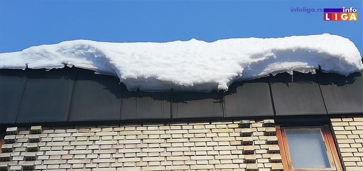 IL-Ledenice-sneg-3 Oprez, sneg i led vrebaju sa krovova