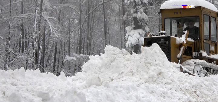 Il-sneg-i-zavejani-putevi- Predsednik opštine Ivanjica obišao zavejana područja (VIDEO)