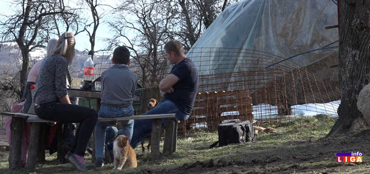 il-porodica-katici- Ivanjica: Da li rodna zemlja može da donese koru hleba? (VIDEO)