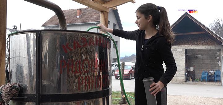 IL-Nikolina-Tosovic-13.godina- Ivanjica : E, ovo je bolja budućnost Srbije (VIDEO)