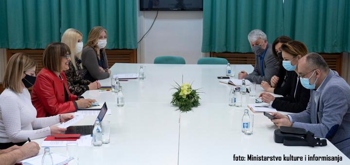 udruzenje-novinara-foto-Minsitarstvo-kulture-i-informisanja Maja Gojković održala sastanak sa predstavnicima novinskih udruženja