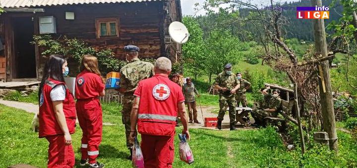 IL-Crveni-krst-cetiri Ivanjica: Vojni lekar na selu uz pomoć Crvenog krsta (FOTO)