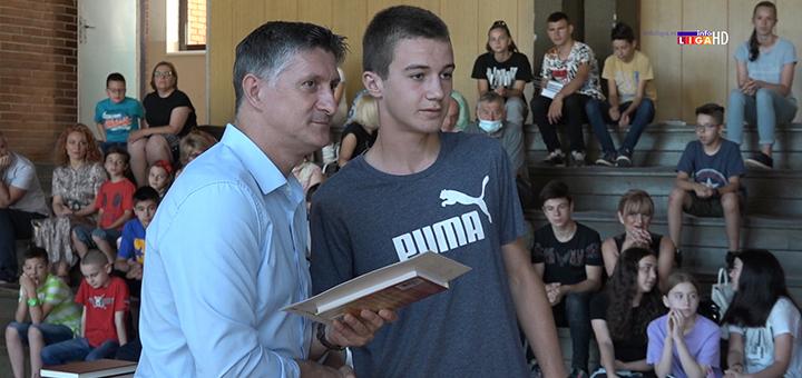 IL-tekst-os-milinko-kusic-nagradjeni Nagrađeni najuspešniji učenici OŠ ''Milinko Kušić'' iz Ivanjice (VIDEO)