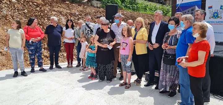 il-stanovi-tekst-2 Dodelom stanova, rešeno stambeno pitanje izbegličkih porodica na teritoriji opštine Čajetina