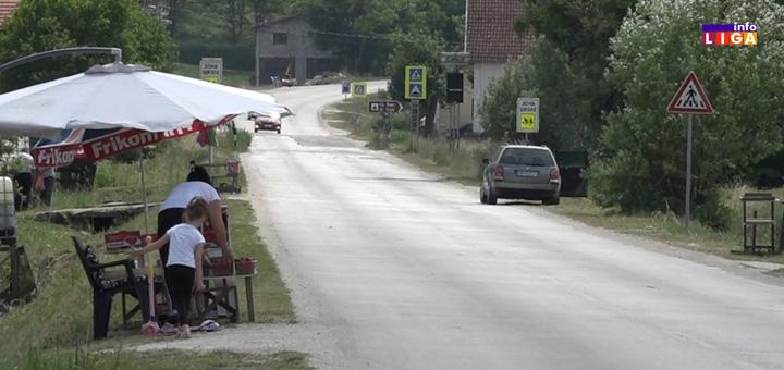 il-ulica-jagoda- Na putu za Guču prolazite ulicom jagoda (VIDEO)