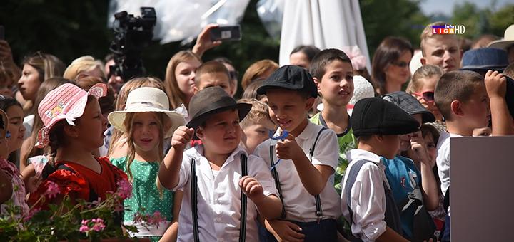 IL-decija-scena-otvaranje Iskren dečiji osmeh najavio početak Nušićijade (VIDEO)