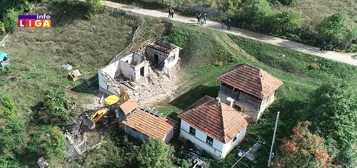 IL-izgorela-kuca-Kotraza- Borivoje se hrabro borio za svoju zemlju a sada ostao bez doma - Radovanovićima potrebna pomoć (VIDEO)